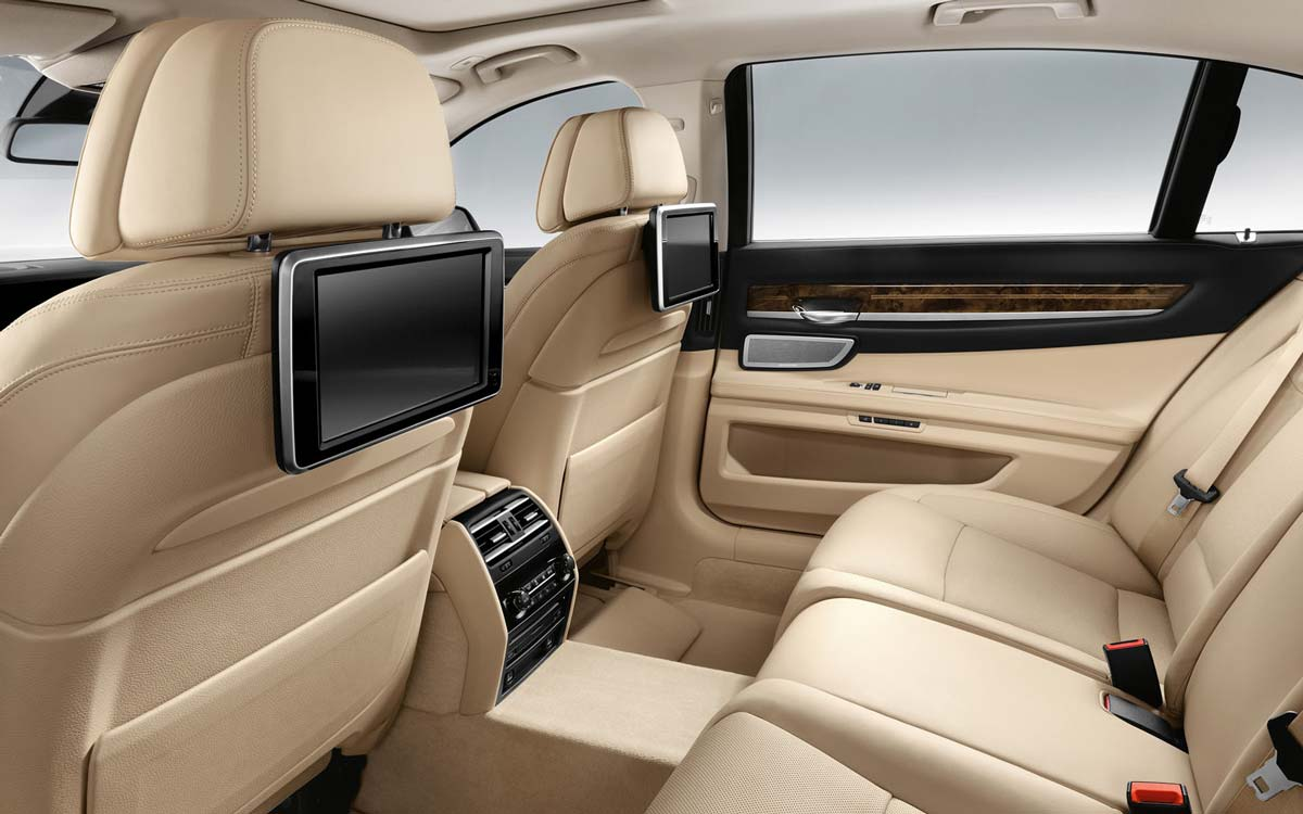 Get the best limo hire prices online instantly