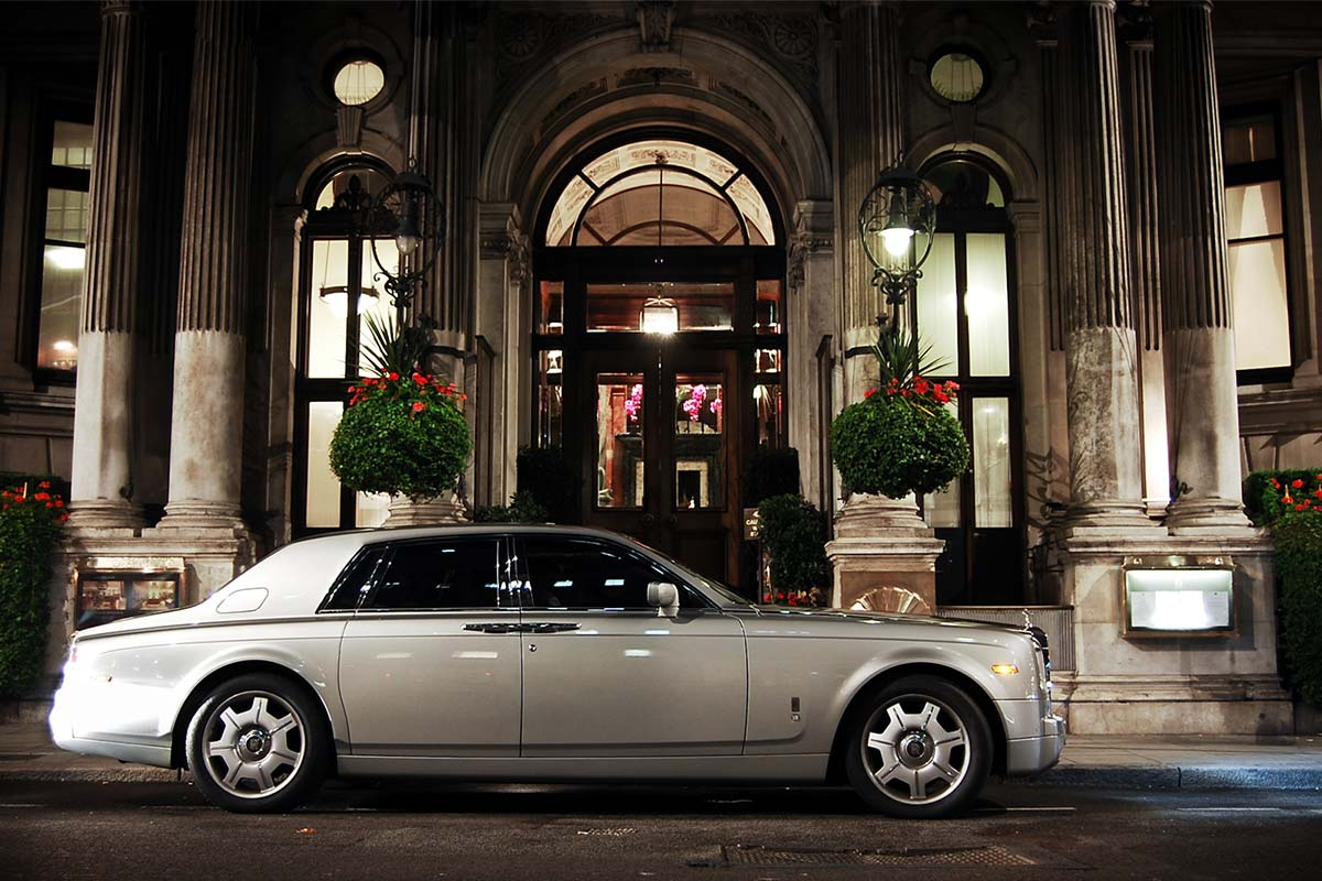 Compare hire prices on Executive Cars